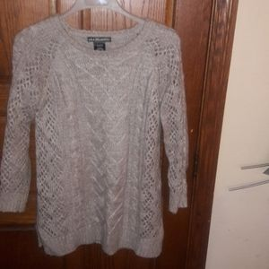 NEW CONDITION! TAN CABLE KNIT SWEATER